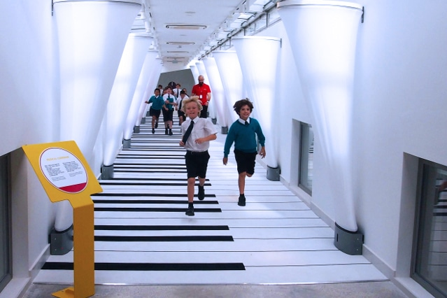 students enjoying the musical corridor at Esplora